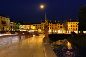 Castelfranco veneto by night
