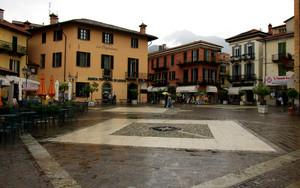 un giornata piovosa in Piazza Garibaldi