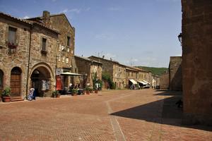 Piazza del pretorio – Sovana