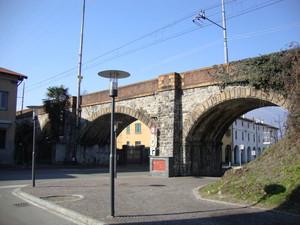 Il  ponte della ferrovia della valtellina