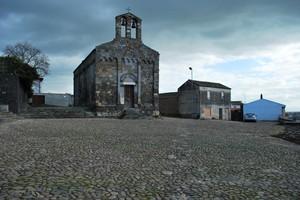 Piazza della chiesa a Samassi