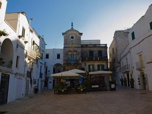 In piazza a Cisternino