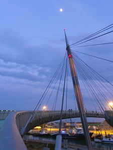 Il ponte e la luna