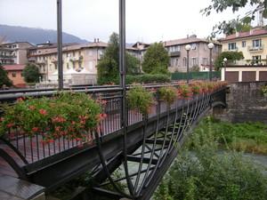 ponte pedonale sul Leno