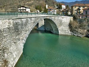 """Ponte per Savignone"""