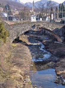 """"""" Un ponte medioevale a Busalla"""""""
