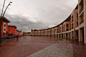 Piazza dell'unione europea  in una triste giornata piovosa