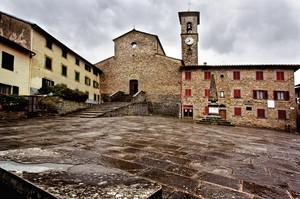 Piazza Dante Alighieri La piazza della memoria