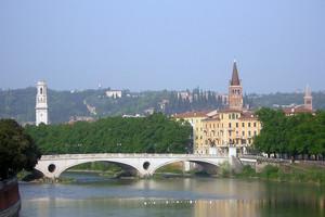 Ponte sul fiume Adige