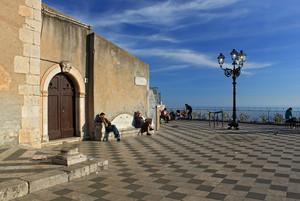 La Piazza il salotto più elegante di Taormina