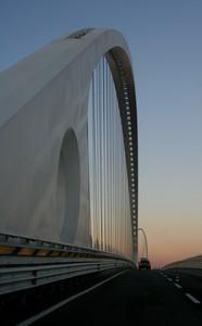Transitando sul Ponte Centrale