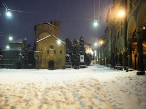 Piazza Santo Stefano di bianco 'vestita'