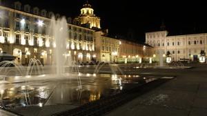 Notte a piazza Castello
