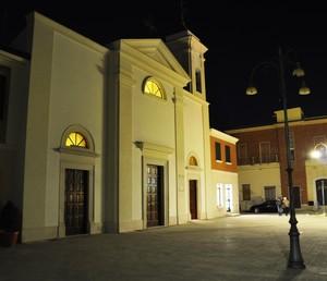 Lo stornarellese Largo Duomo di sera