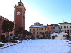 Piazza Cinque Martiri