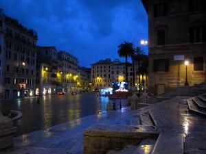 Insolita Piazza di Spagna