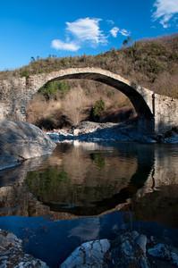 Antico  ponte sull' Arroscia