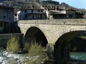 Un ponte massiccio