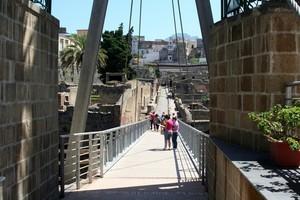 Ercolano ponte ingresso scavi eruzione vesuvio