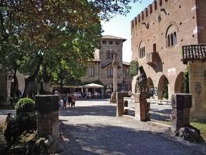 La Piazza del Biscione
