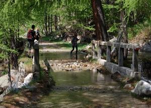 Il ponte allagato.