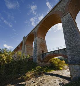 Fango sotto il ponte per Messina