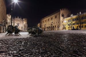 Piazza Sordello atmosfera invernale