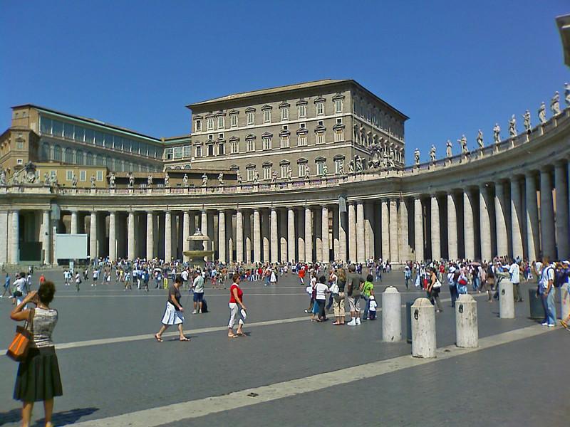 Roma piazza s pietro la finestra del papa - Finestra del papa ...