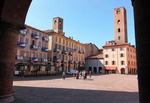 Alba, piazza Risorgimento
