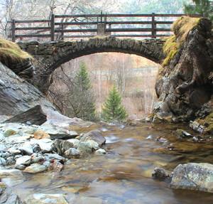 ponte della cascata leteney