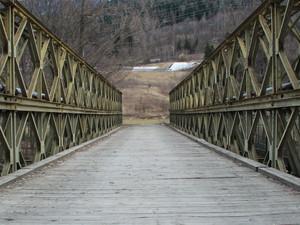 ponte in disuso..