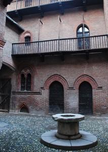 Piazzetta interna al Medievale del Valentino a Torino