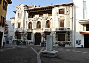 Piazza Filippo Guenzati