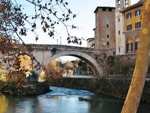 Ponte Quattro Capi (ponte Fabricio)