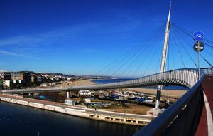 curve sopra il porto canale