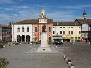 Piazza Garibaldi deserta