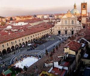 Piazza Ducale dalla Torre del Bramante