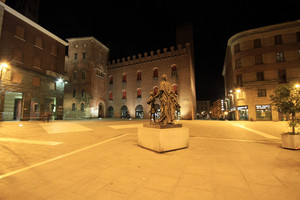 Stradivari by night