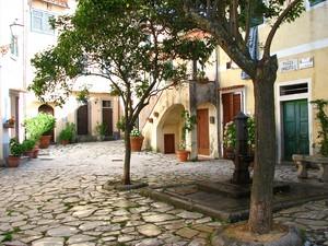Poggio, piazza Umberto I