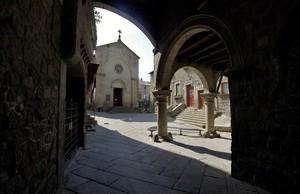 Piazza San Pellegrino 2