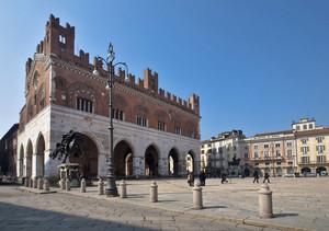 """ Piazza Cavalli """