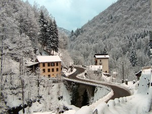 Ponte sul torrente Cavaione