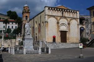 La piazza di Pietrasanta