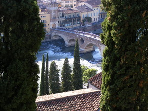 ponte pietra dall'alto