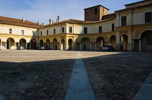 Piazza Castello, dal lato di Piazza S. Barbara