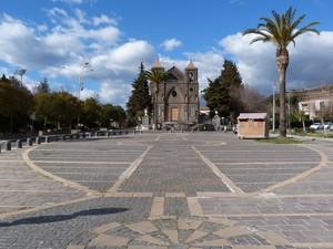 Piazza Madonna delle Grazie nel borgo della Vaccheria.