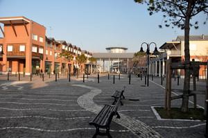 Marina di Ravenna – Piazza del Porto Turistico Marinara