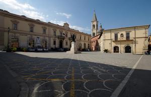 La piazza di Ovidio