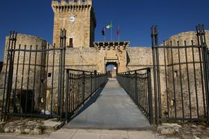 Ponte di collegamento con il castello