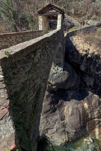 Le chemin de la Paroi – Il ponte di Moretta